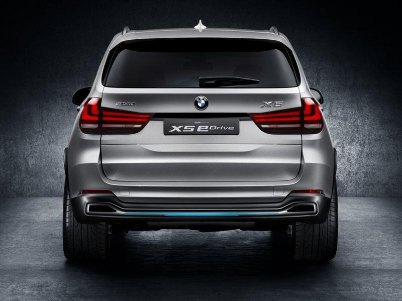 BMW Concept X5 eDrive - mogočen zadek