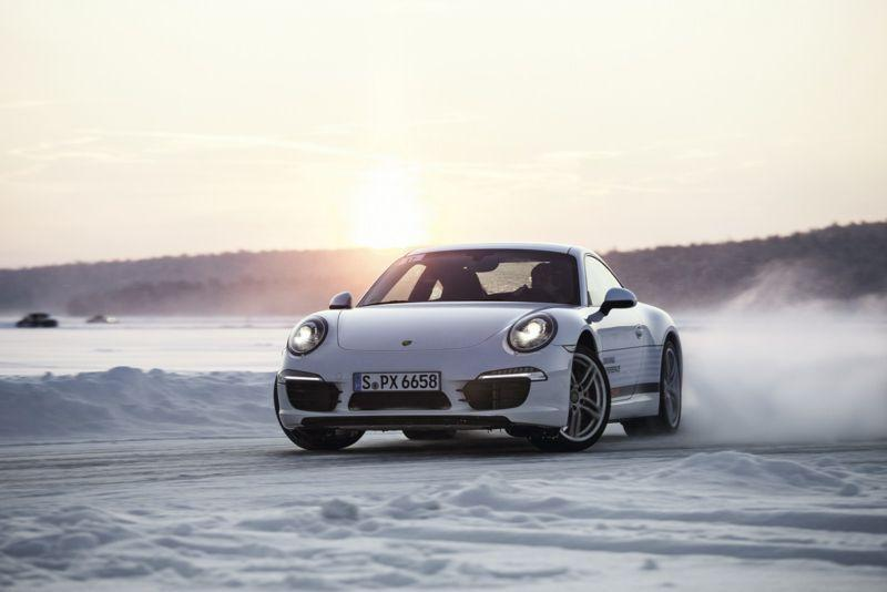 Porsche-911-Carrera-4-Winter-Driving-Experience-2