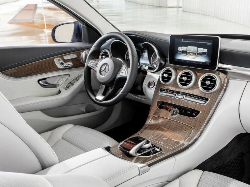 2014-Mercedes-Benz-C-Class-17