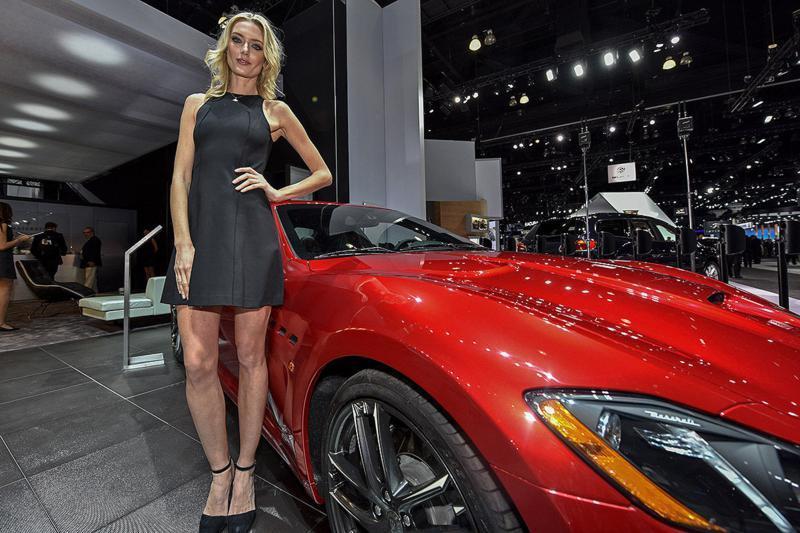 LA-Auto-Show-Hostessen-1200x800-ffe0c65b334770ee