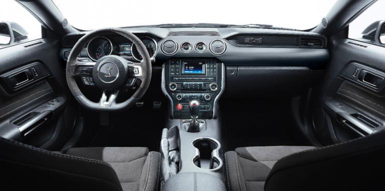 x2015-Shelby-GT350-Mustang-6.jpg.pagespeed.ic.v4v4yQJrjg