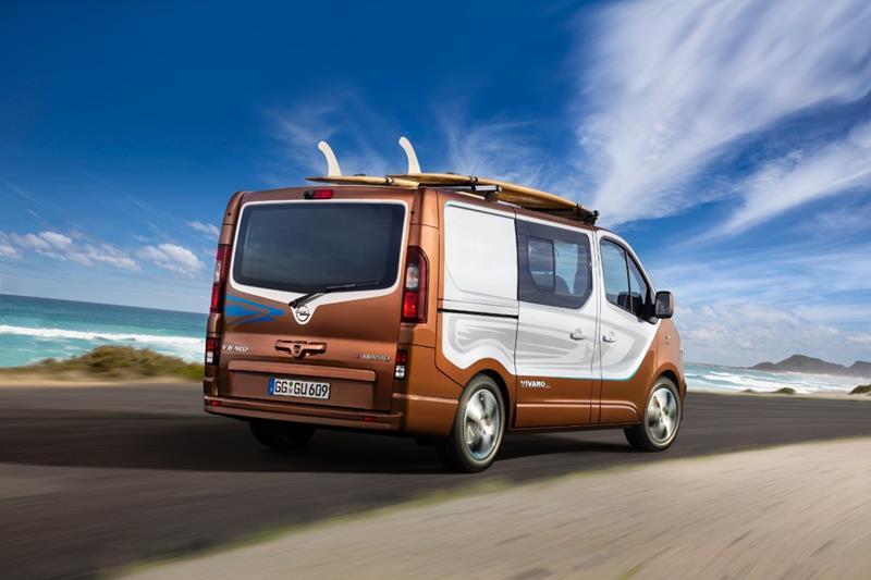 2015 09 08_IAA_Opel_Vivaro_Surf_Concept-2
