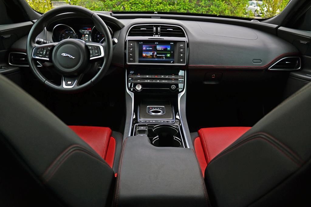 jaguar xe 2.0t 20