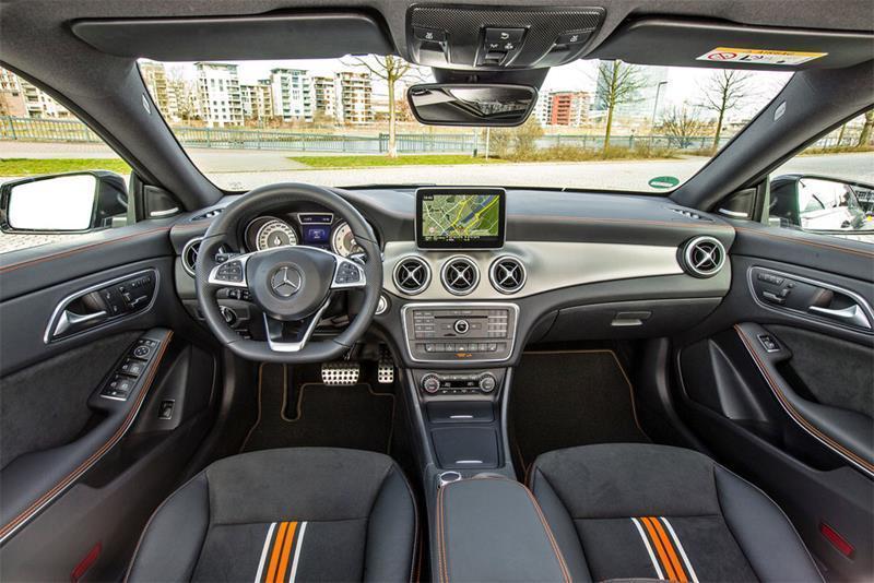 Mercedes-Benz-CLA-Shooting-Brake-2015-2016-Interior-1
