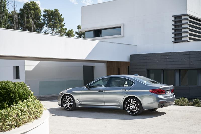 p90237228_highres_the-new-bmw-5-series