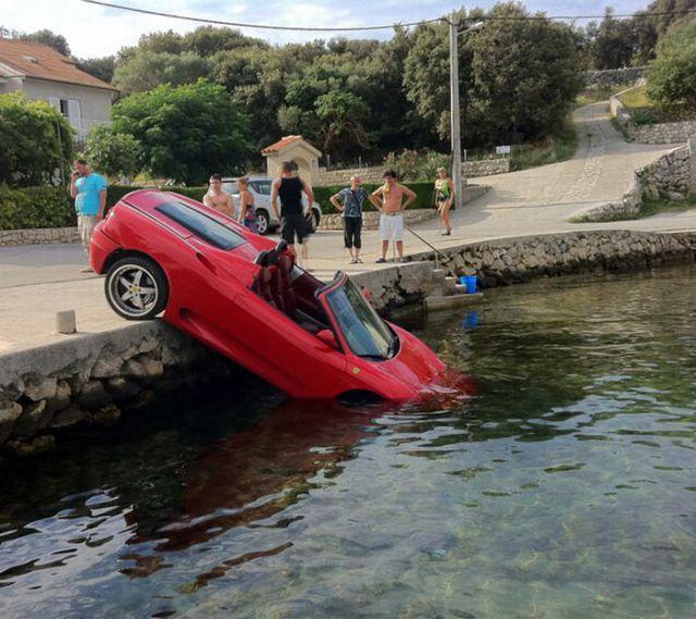 unexplainable-driving-fails-24