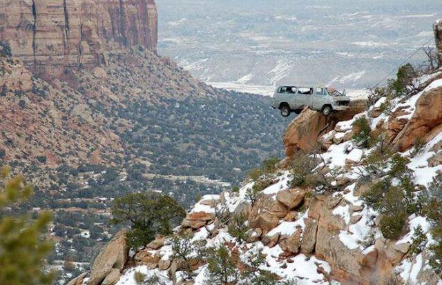 unexplainable-driving-fails-29