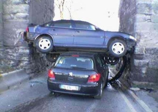 unexplainable-driving-fails-6