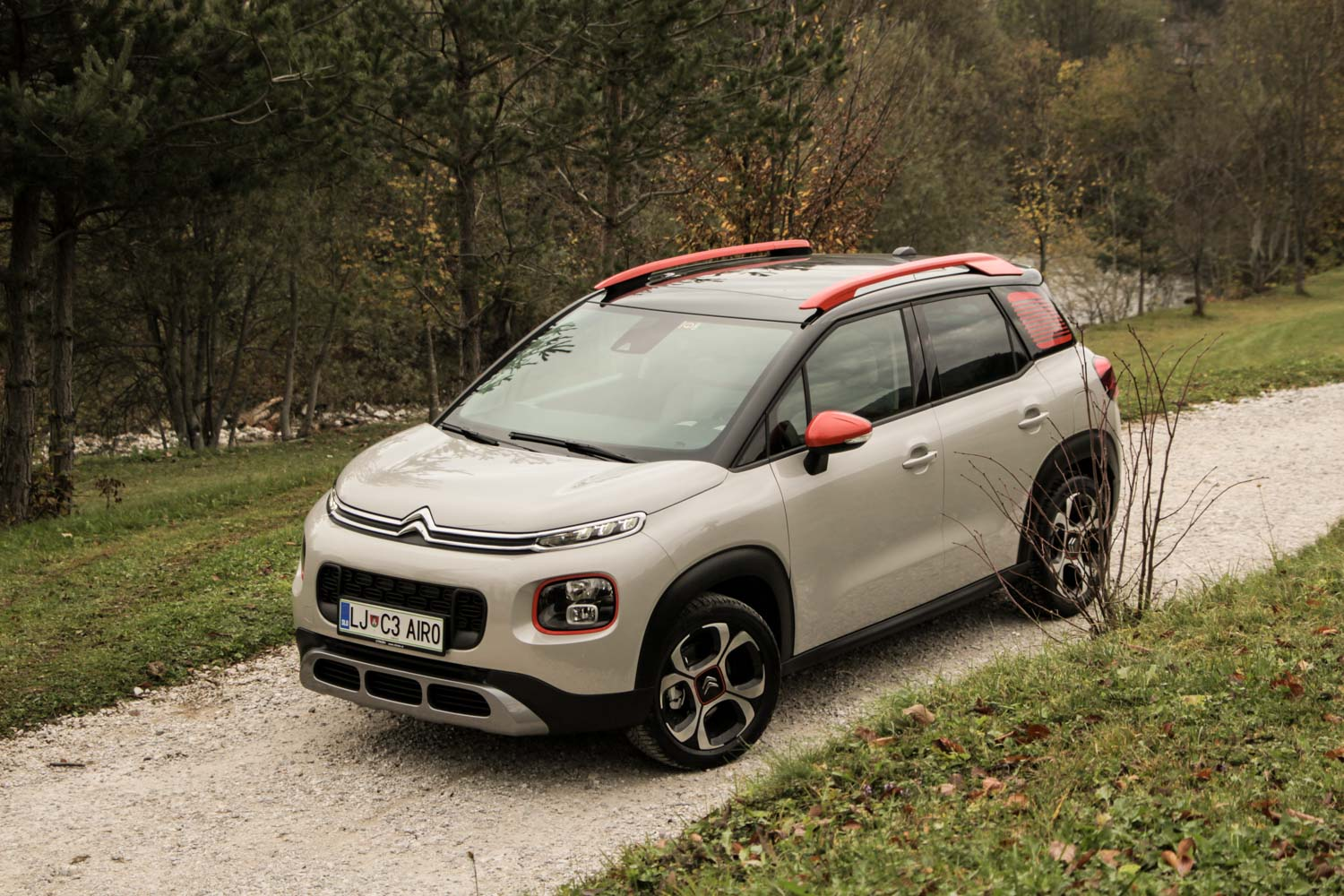 citroen c3 aircross ni ve picasso. Black Bedroom Furniture Sets. Home Design Ideas